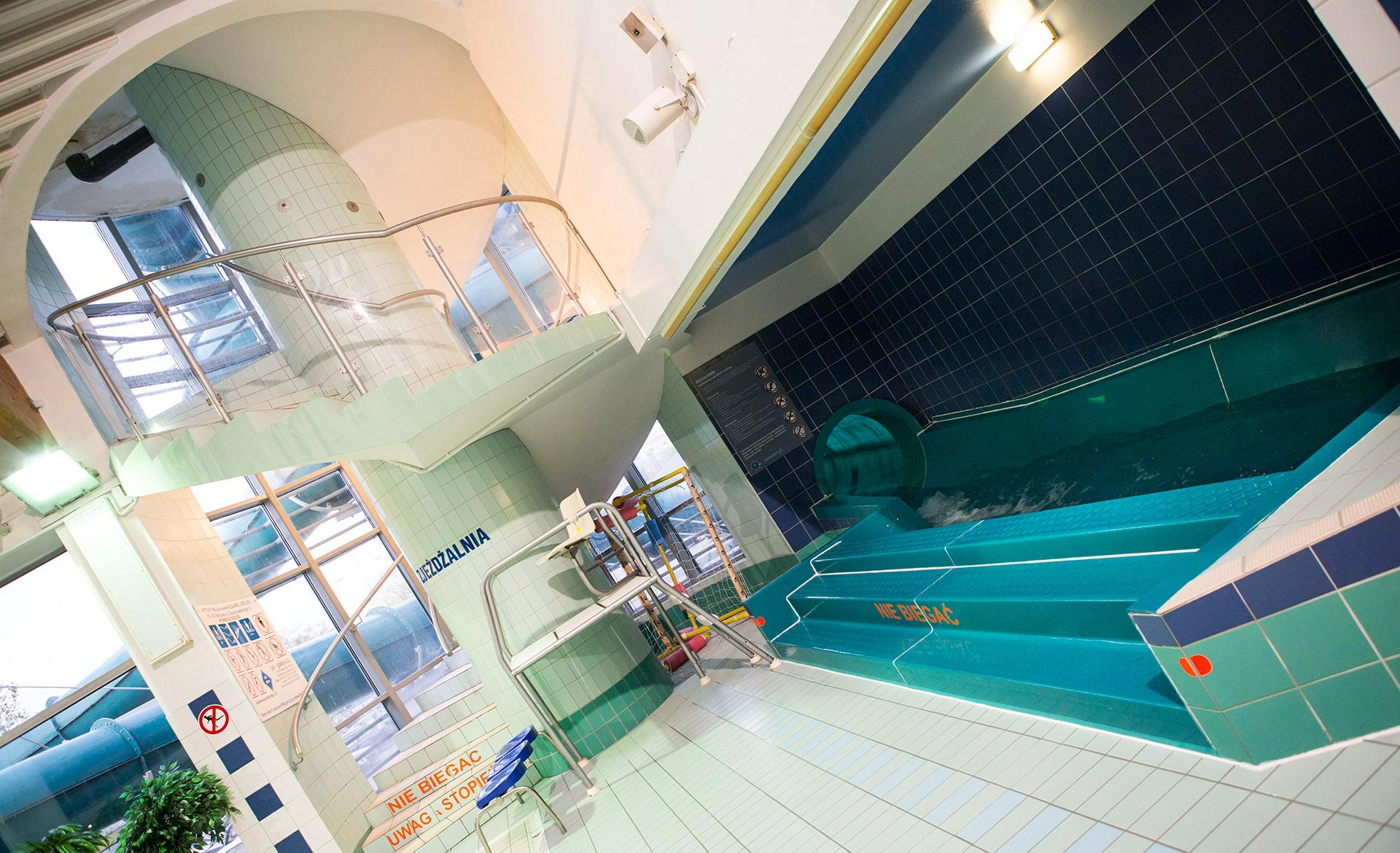 basen Skalar od środka